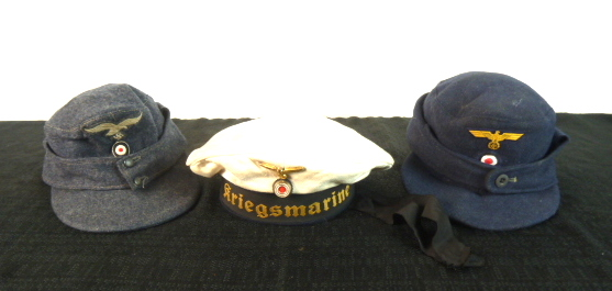 Insignes US et casques allemands P1780612