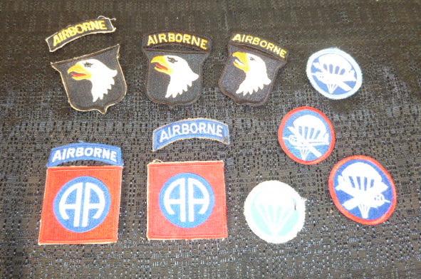 Insignes US et casques allemands P1790010