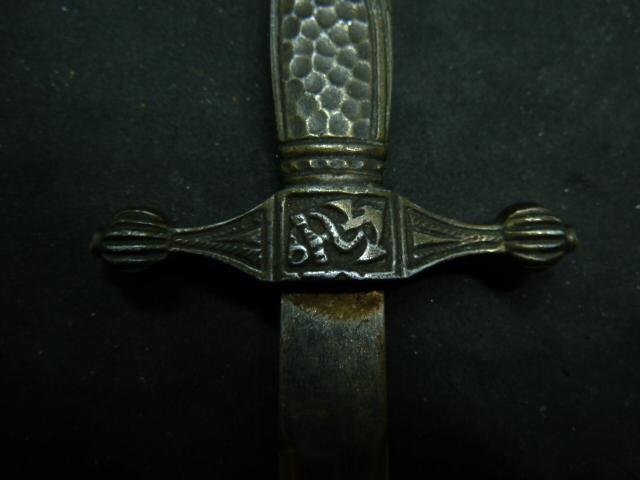 Dague miniature/ouvre lettre P1850413