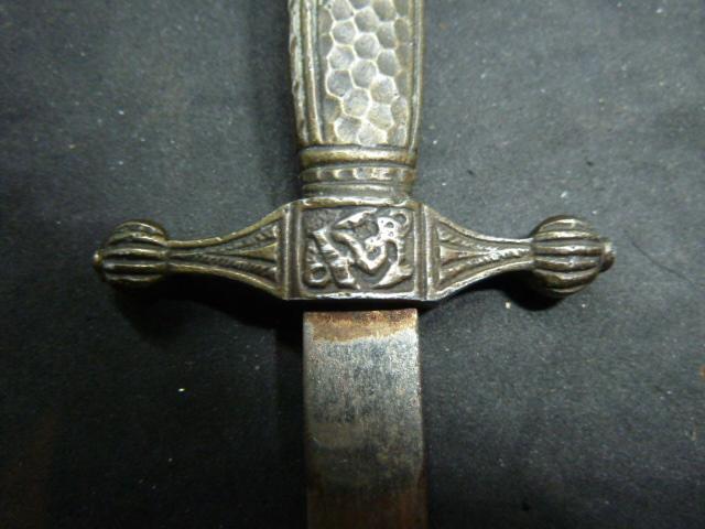 Dague miniature/ouvre lettre P1850418