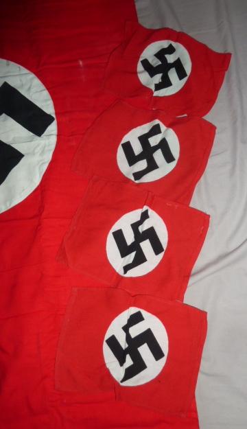 En rouge et noir (et blanc).......et un peu de lames..... P1920812