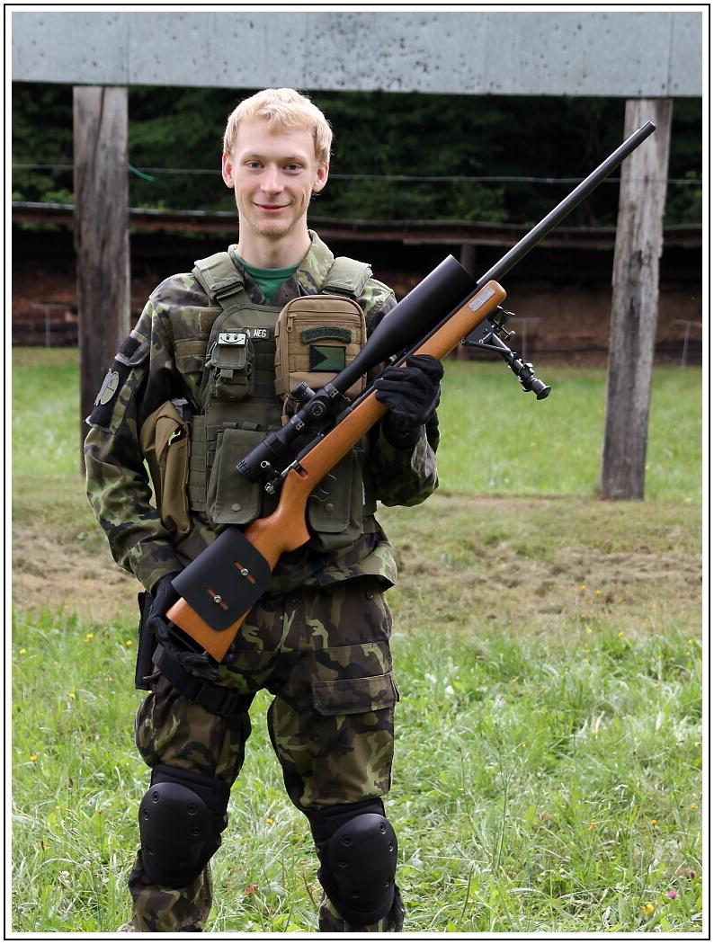 Brno Mod. 4 - une carabine .22 LR réglementaire de la Guerre froide - Page 7 Lukas-10