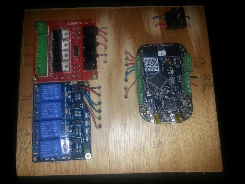 "[WIP 100%] 2° pincab, 43"" 4K/27"" fHD/Pin2DMD/SSF/LEDstrips/Contacters/Knocker/Audio LEDs Pannea12"