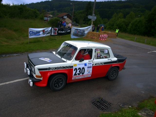plaquette arrière qualité compétition  pour rallye 2 Attach10