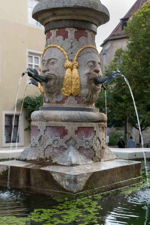 Fontaines de France et d'ailleurs - Page 6 Dsc04211
