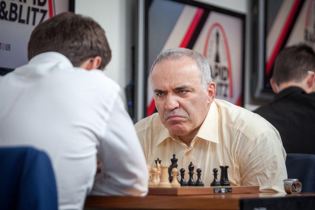 Il aurait fait quoi, là, Kasparov. Saint-10