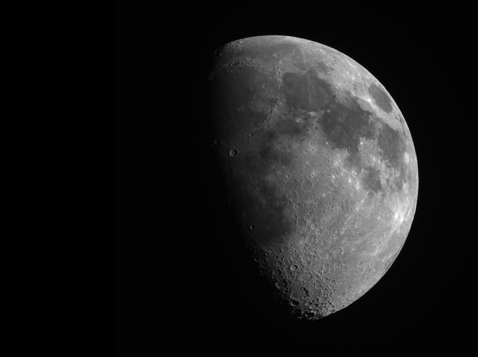 Lune gibbeuse à la mini lunette 00_11_10