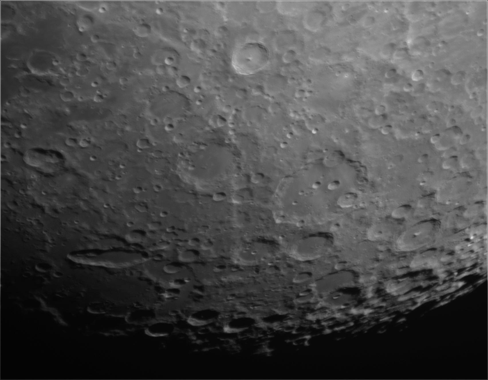 Lune au Mak 127 22_48_10
