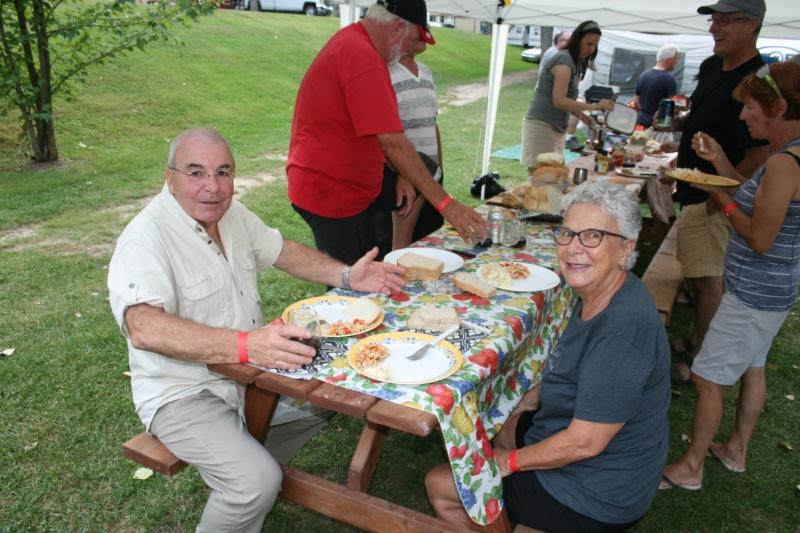 Remerciments et Photos de la 1 rencontre au camping Val-Léro 2018 Img_1323