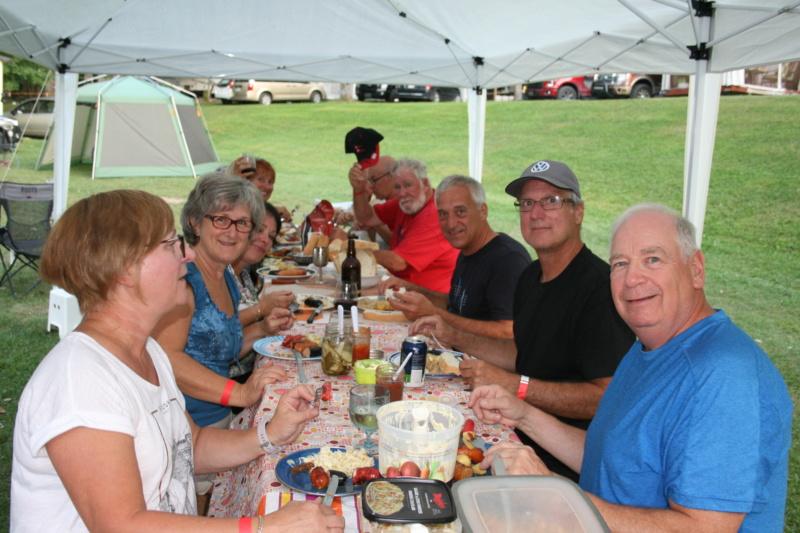 Remerciments et Photos de la 1 rencontre au camping Val-Léro 2018 Img_1329