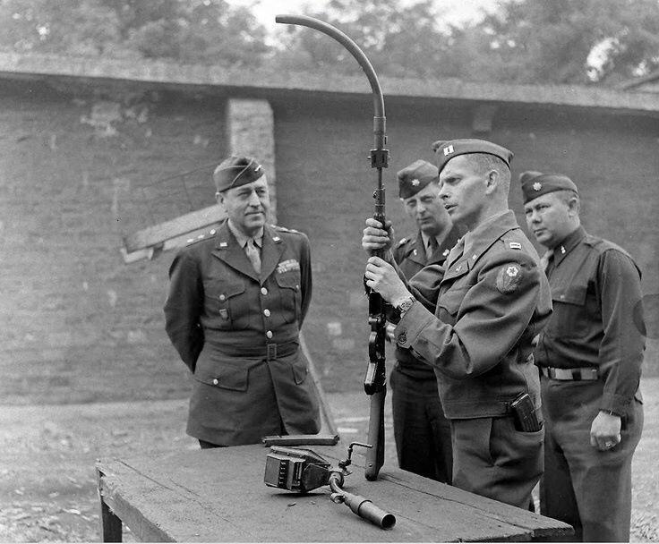 Arme miracle du Reich: fusil d'assaut StG 44 (canon incurvé et viseur infrarouge) 59152910