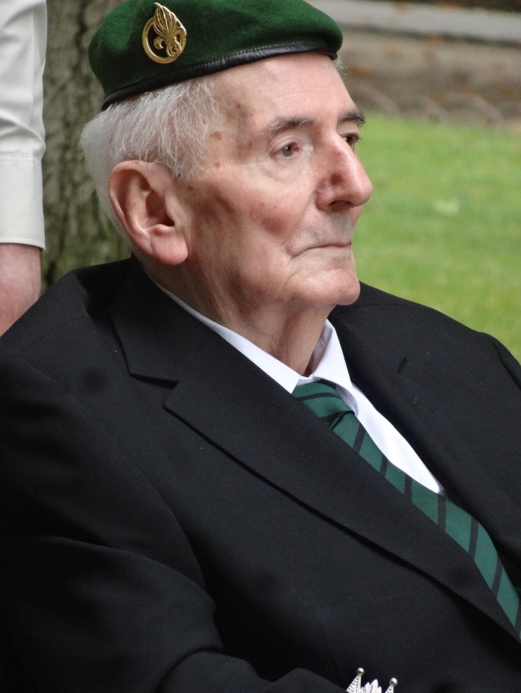 Daniel  Cordier - secrétaire de Jean MOULIN  est décédé - Il reste 2 compagnons de la liberation  Dsc02011