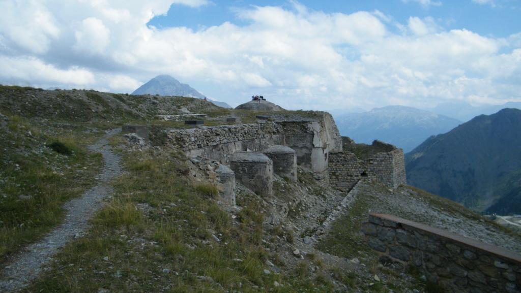 """Le Fort des nuages, ou le """"cuirassé des nuages"""" Dscf7217"""