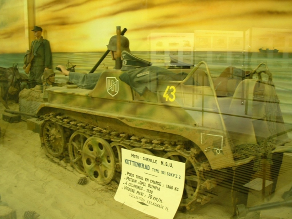 Le SdKfz 2, plus connu sous les noms de Kleines Kettenkraftrad HK 101 ou Kettenkrad . Nsu_ke10