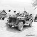 La jeep HOTCHKISS M201....Une jeep bien française Indoch12
