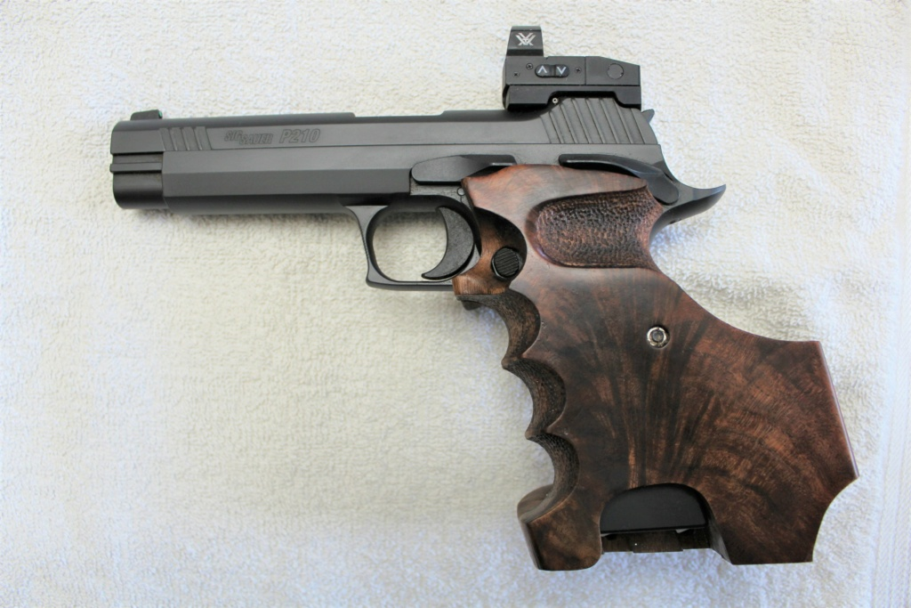 DICK HORTON MATCH GRIPS - NEW E-MAIL ADDRESS - Page 3 Sig_p211