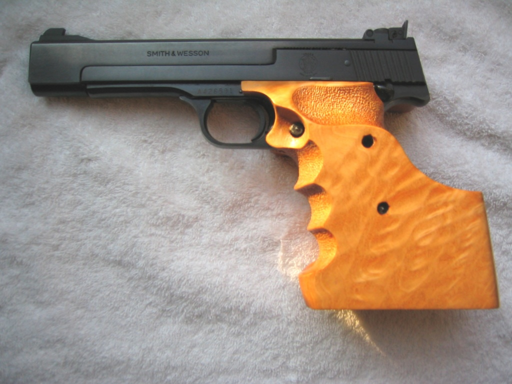 DICK HORTON MATCH GRIPS - NEW E-MAIL ADDRESS - Page 3 Sw_m-414
