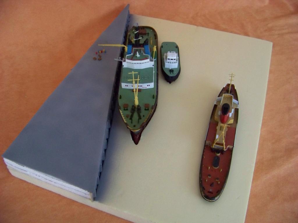 Remorqueurs Jean BART, Smit Rotterdam au 1/200 Heller, Revell, diorama.  - Page 3 100_9932