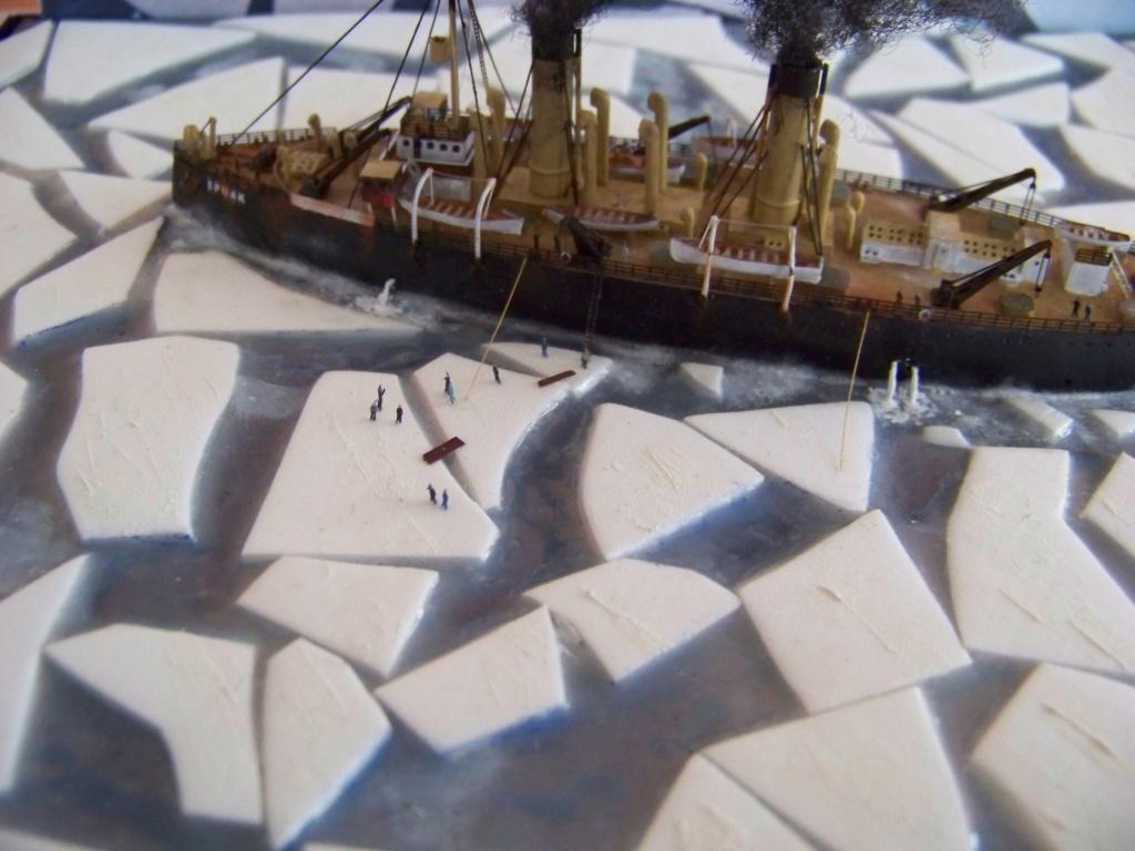 Dio : Brise-glace russe Yermack amarré à la banquise (Combrig 1/700°) par PLEF 101_0058