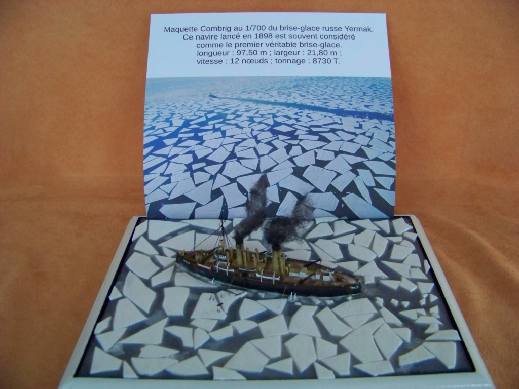 Dio : Brise-glace russe Yermack amarré à la banquise (Combrig 1/700°) par PLEF 101_0059