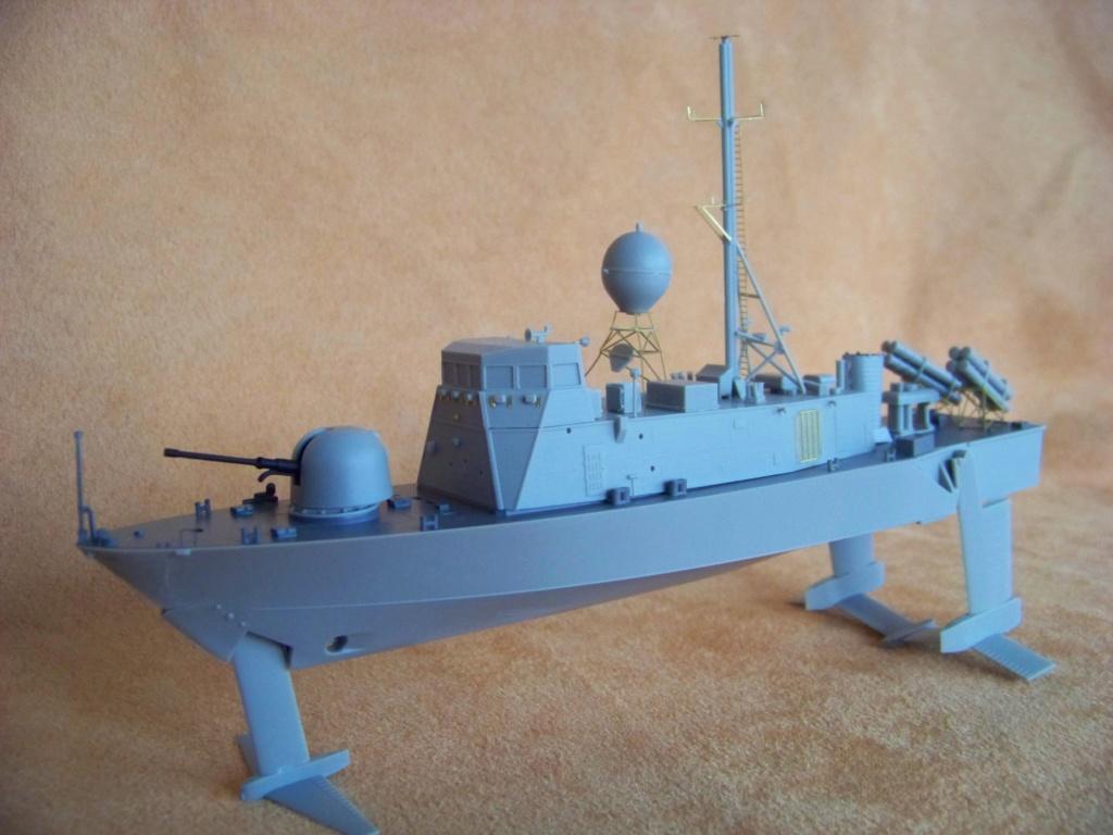 USS Pegasus hydroptère Hobby Boss 1/200. 101_0063