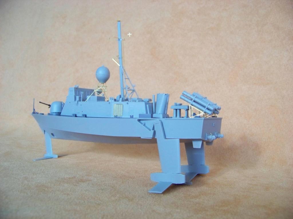 USS Pegasus hydroptère Hobby Boss 1/200. 101_0064