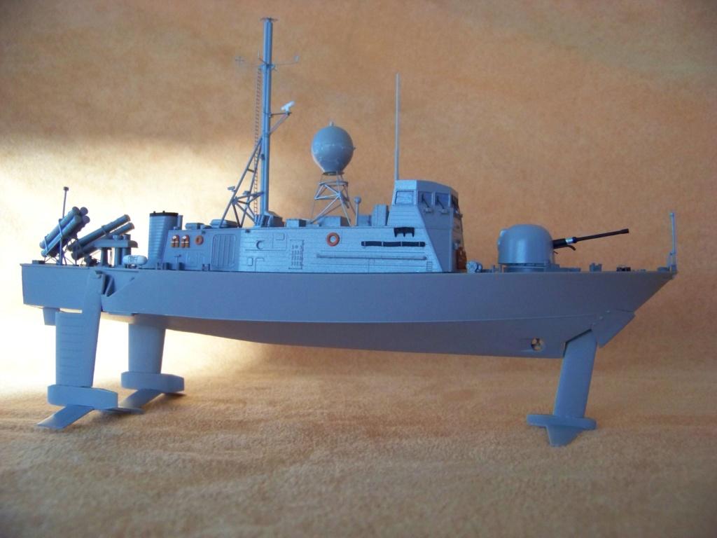 USS Pegasus hydroptère Hobby Boss 1/200. 101_0067