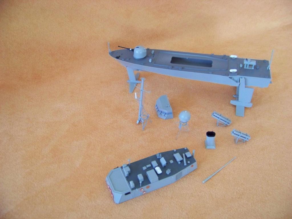 USS Pegasus hydroptère Hobby Boss 1/200. 101_0111