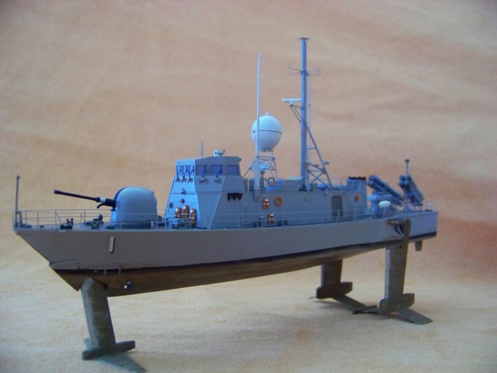 USS Pegasus hydroptère Hobby Boss 1/200. 101_0114