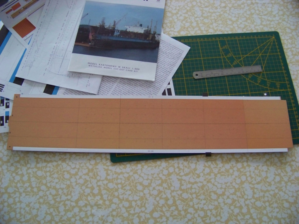 Dock flottant Ostrow II maquette en papier JSC 1/400. 101_0120