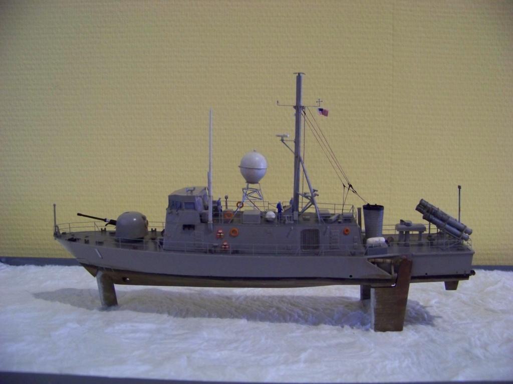 USS Pegasus hydroptère Hobby Boss 1/200. 101_0127