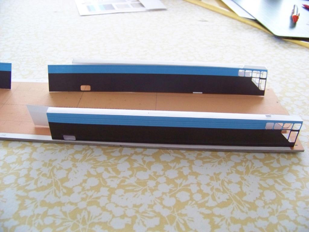Dock flottant Ostrow II maquette en papier JSC 1/400. 101_0129