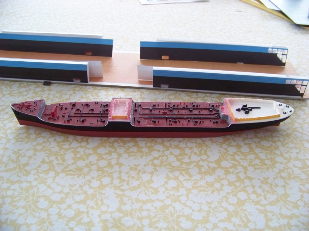 Dock flottant Ostrow II maquette en papier JSC 1/400. 101_0130