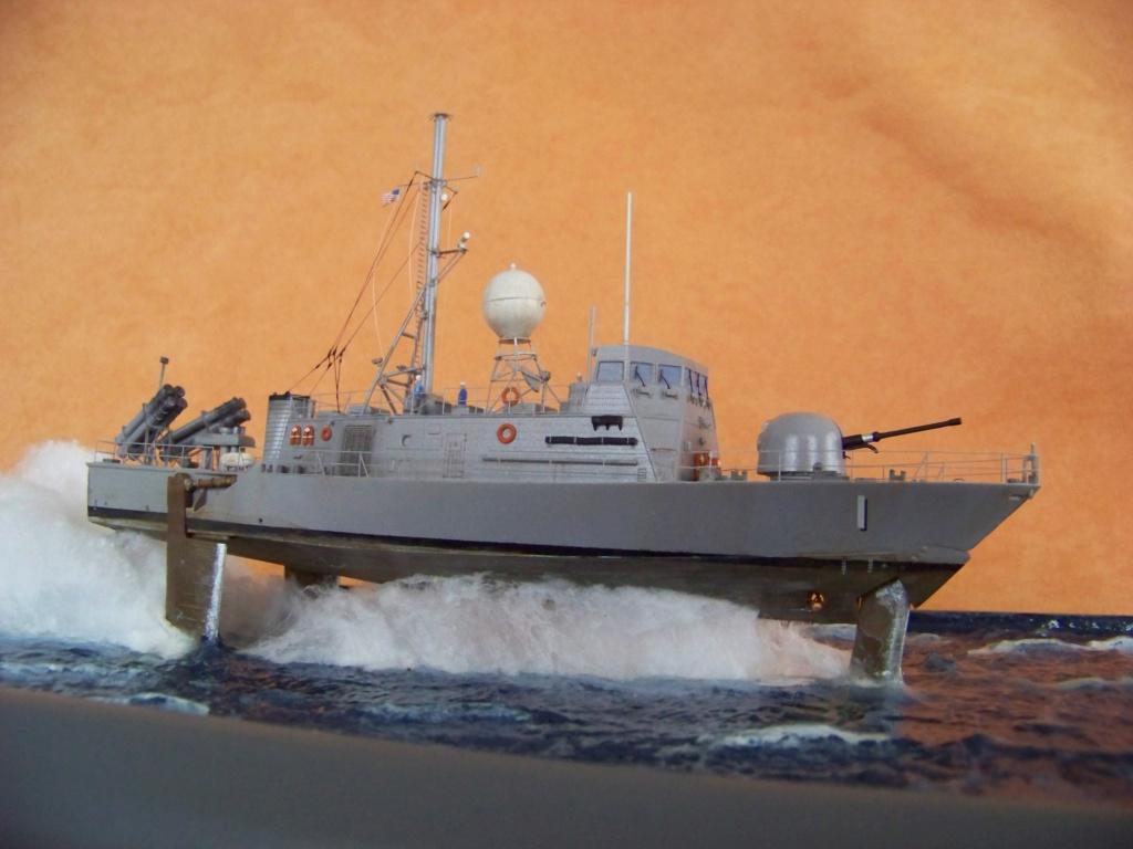 USS Pegasus hydroptère Hobby Boss 1/200. 101_0136