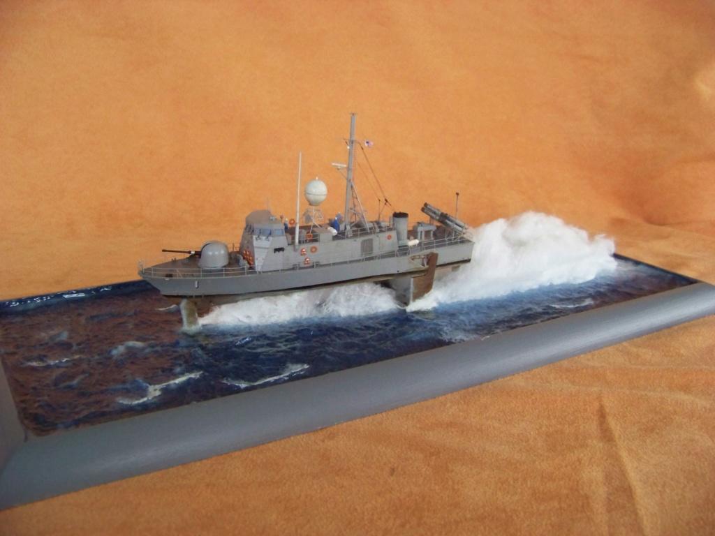USS Pegasus hydroptère Hobby Boss 1/200. 101_0137