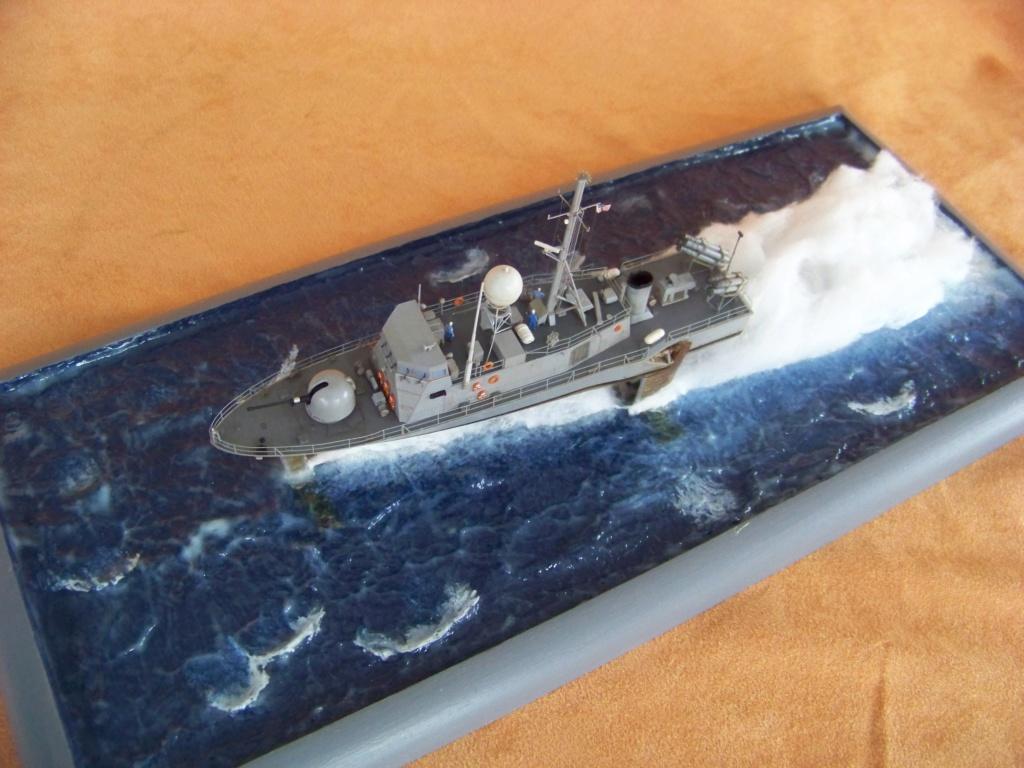USS Pegasus hydroptère Hobby Boss 1/200. 101_0138