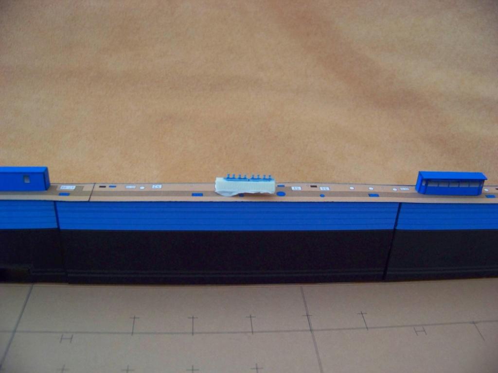Dock flottant Ostrow II maquette en papier JSC 1/400. 101_0151