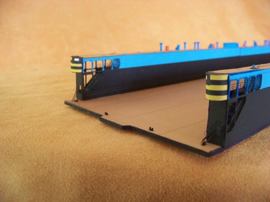Dock flottant Ostrow II maquette en papier JSC 1/400. - Page 2 101_0159