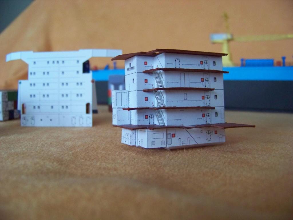Dock flottant Ostrow II maquette en papier JSC 1/400. - Page 2 101_0166