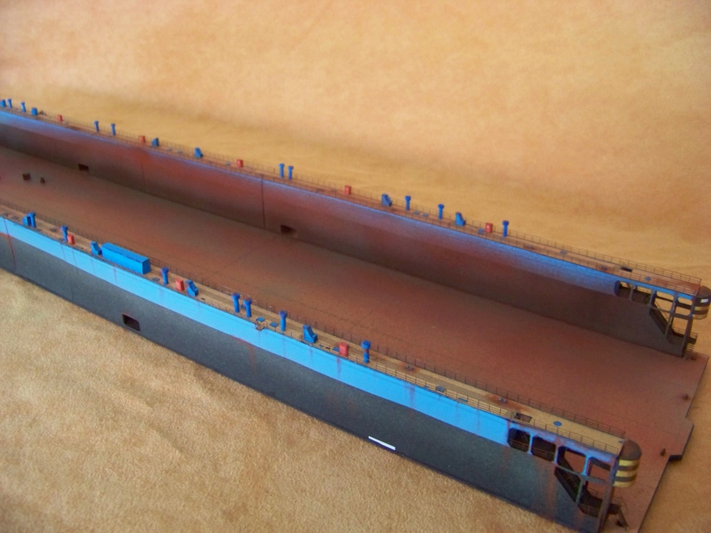 Dock flottant Ostrow II maquette en papier JSC 1/400. - Page 2 101_0168