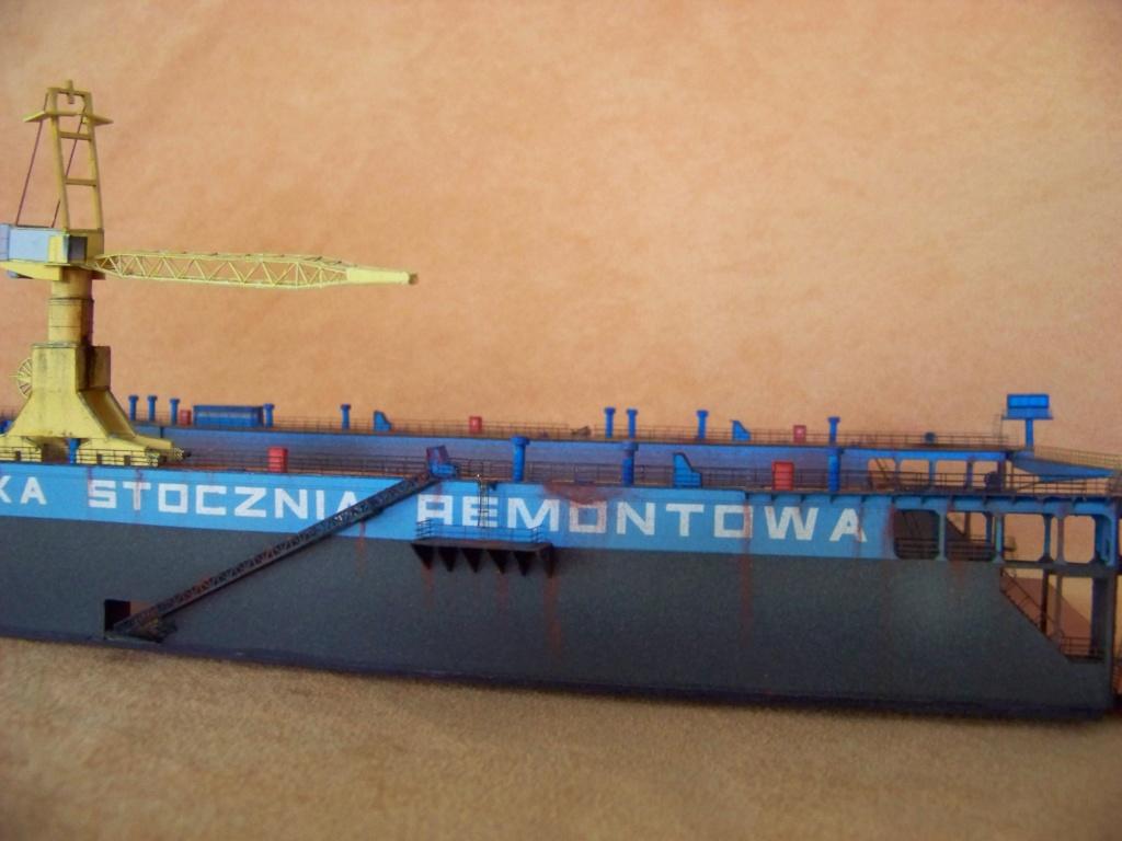 Dock flottant Ostrow II maquette en papier JSC 1/400. - Page 2 101_0169