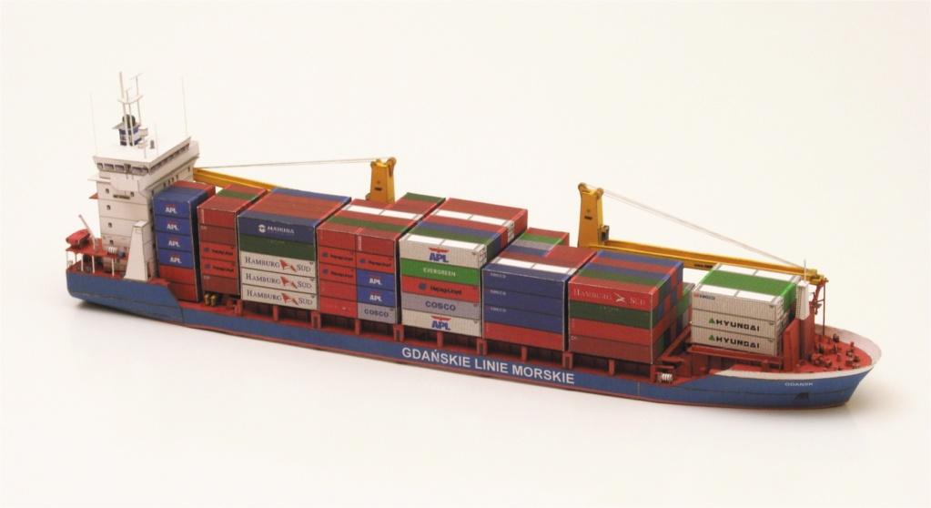 Dock flottant Ostrow II maquette en papier JSC 1/400. - Page 2 55411