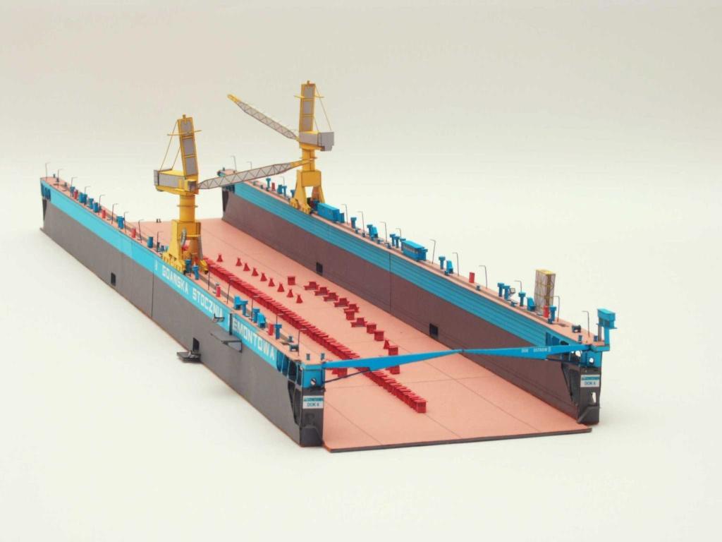 Dock flottant Ostrow II maquette en papier JSC 1/400. - Page 2 7401_210