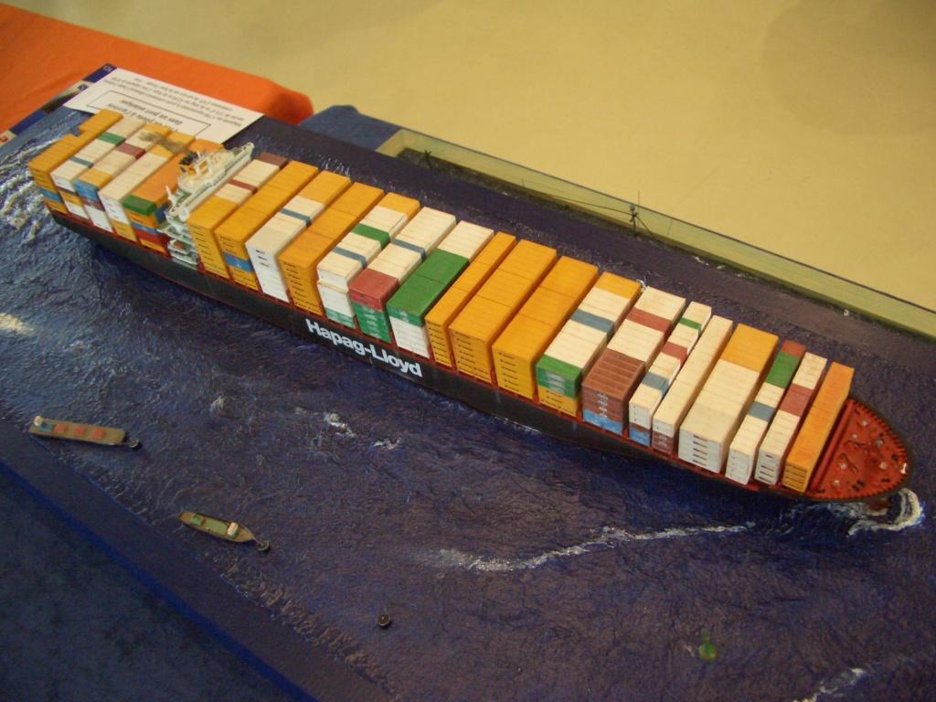 Dio : Prise pilote du porte-conteneurs Colombo Express (Revell 1/700°) par PLEF Colomb11