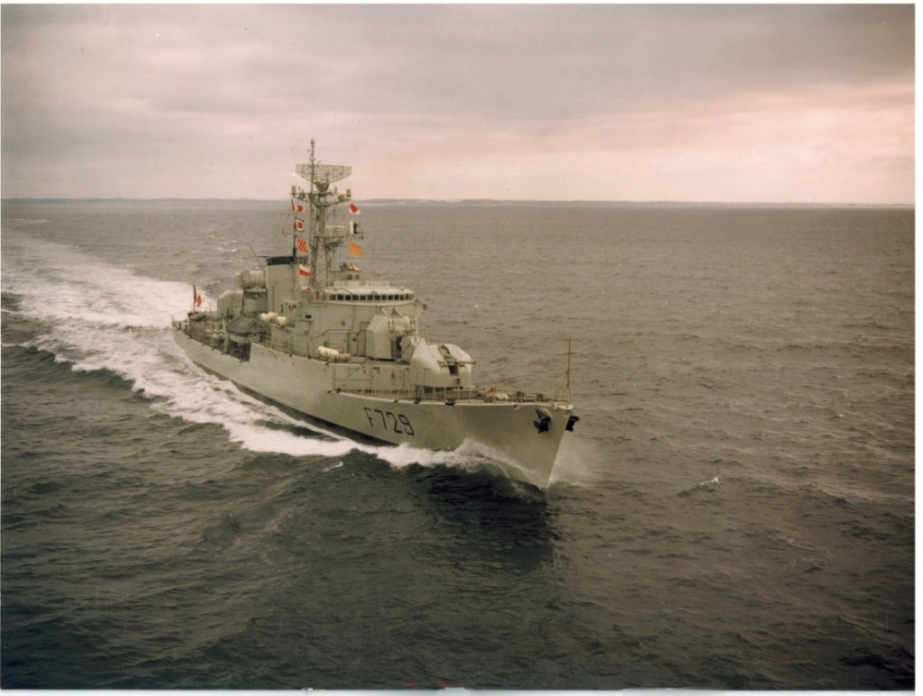 """Aviso A 69 """"Classe d'Estienne d'Orves"""" F790 Lieutenant de vaisseau Lavallée / Propre construction 1: F729_l11"""