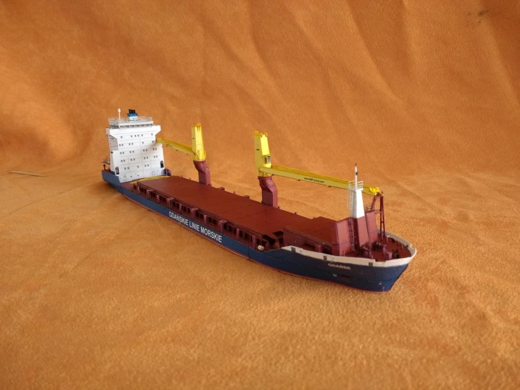 Dock flottant Ostrow II maquette en papier JSC 1/400. - Page 3 Img_2028