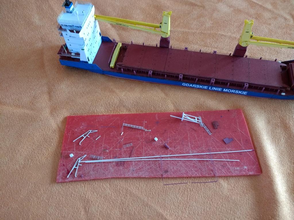 Dock flottant Ostrow II maquette en papier JSC 1/400. - Page 3 Img_2031