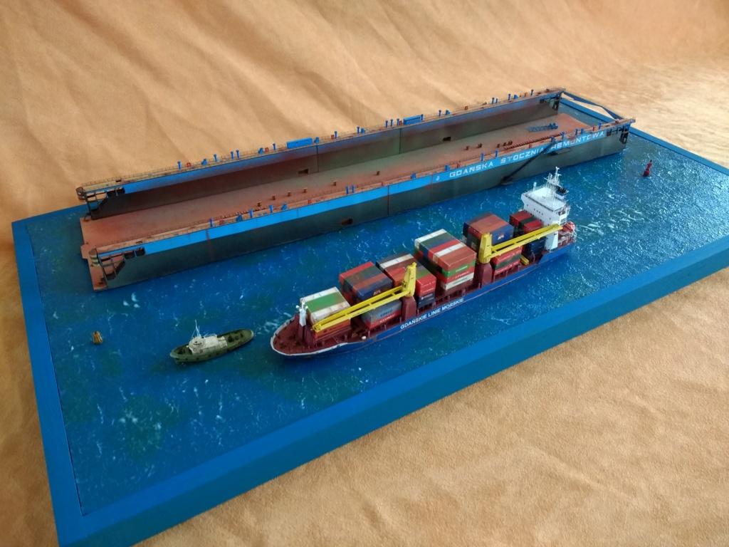 Dock flottant Ostrow II maquette en papier JSC 1/400. - Page 3 Img_2051