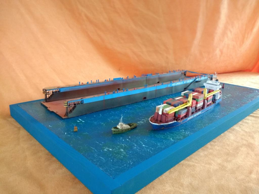 Dock flottant Ostrow II maquette en papier JSC 1/400. - Page 4 Img_2053
