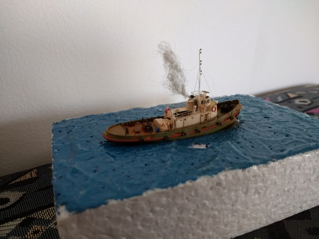Dock flottant Ostrow II maquette en papier JSC 1/400. - Page 3 Img_2055